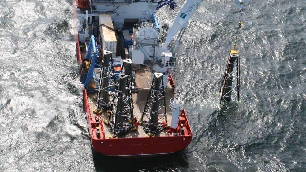Petromarker driver med elektromagnetisk oljeleting.