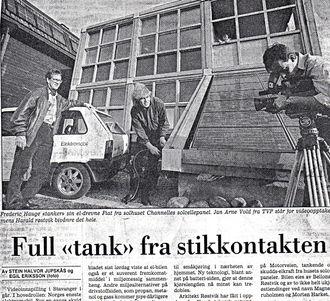 """Allerede i 1988 ble det laget en film """"The Sunshine Revolution"""", som ennå ligger på You Tube. Den viste hvordan elbilen og en soldrevet bolig (Chanelle) lånte strøm av hverandre. Faksimile Stavanger Aftenblad."""