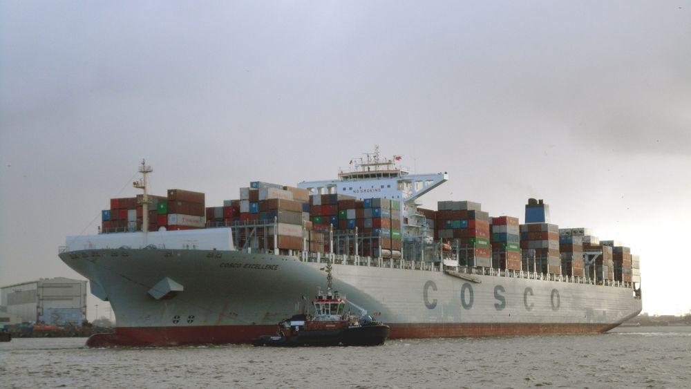 COSCO Excellence i Hamburg 2014. Seaspan bestilte åtte 13.100 TEU-containerskip med levering i 2011-2012. COSCO leier skipene på 12-årskontrakt.