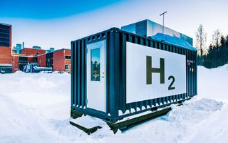Soldrevet elektrolyseanlegg ved LUT i sørlige Karelen.
