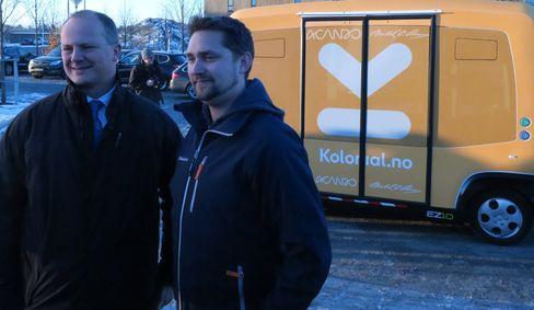 Ketil Solvik-Olsen og Karl Munthe-Kaas er begge klare for å få selvkjørende biler på veien.