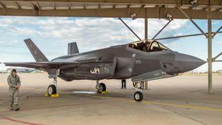 Brukte kikkhullskirurgi for å fikse norske F-35
