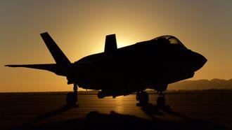 Morten Hanche er ikke bare en respektert flyger, han er også en høyst habil fotograf. Dette bildet tok han nylig av en F-35 i solnedgang på Luke.