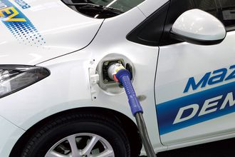 Mazda Demio EV støtter hurtiglading med Chademo.
