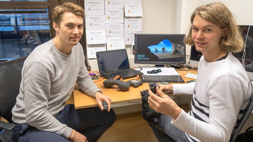 Expain: Brødrene Thomas Jakobsen (t.h.) og Einar-Andre Bydal fikk en god, men dyr ide, som ingen ville ha. Nå har de laget billigutgaven og den selger som