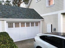 Soltaket inngår i Teslas økosystem, som også inkluderer elbiler og batteripakker.