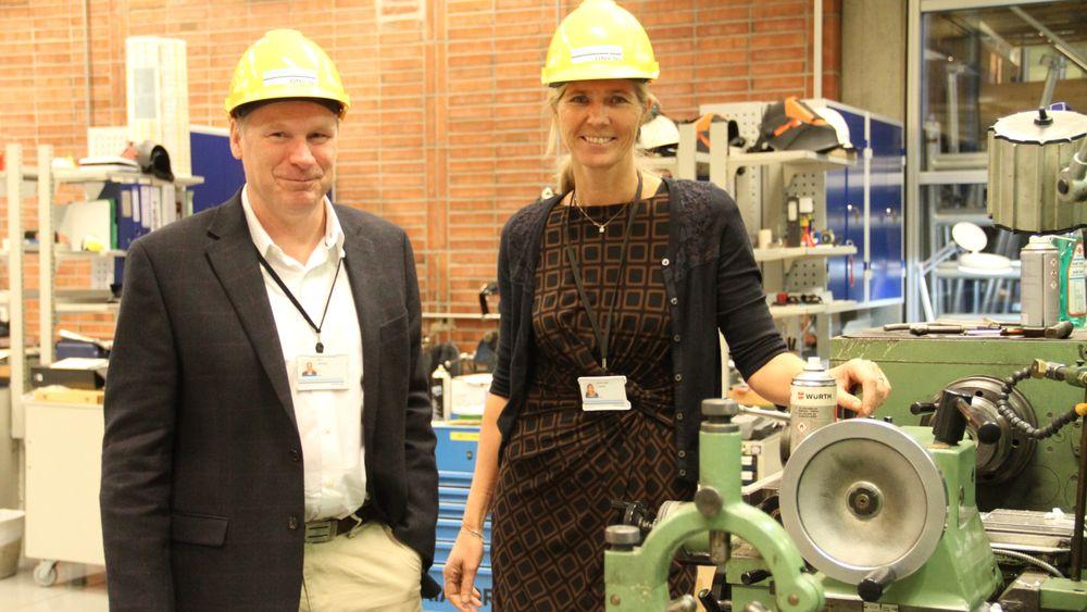 Bjørn Søgård og Bente Helen Leinum har ledet et arbeid frem mot standardiserte krav til dokumentasjon og verifikasjon. Det skal gjøre prosjektene enklere, begge håper nå at store internasjonale aktører tar standarden til seg.