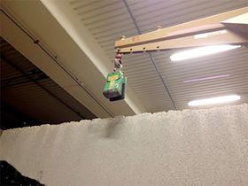 KLYPE: Denne alligatorklypen ville ikke løse ut. Da Lilleskjæret fikk den til å løse ut veltet steinplatene. Foto: Politiet.