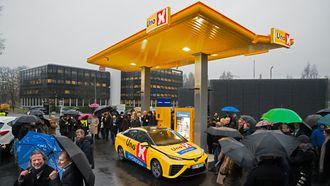 Det var ikke de beste vilkårene for elektrolyse med solkraft da Uno-X Kjørbo åpnet tirsdag.