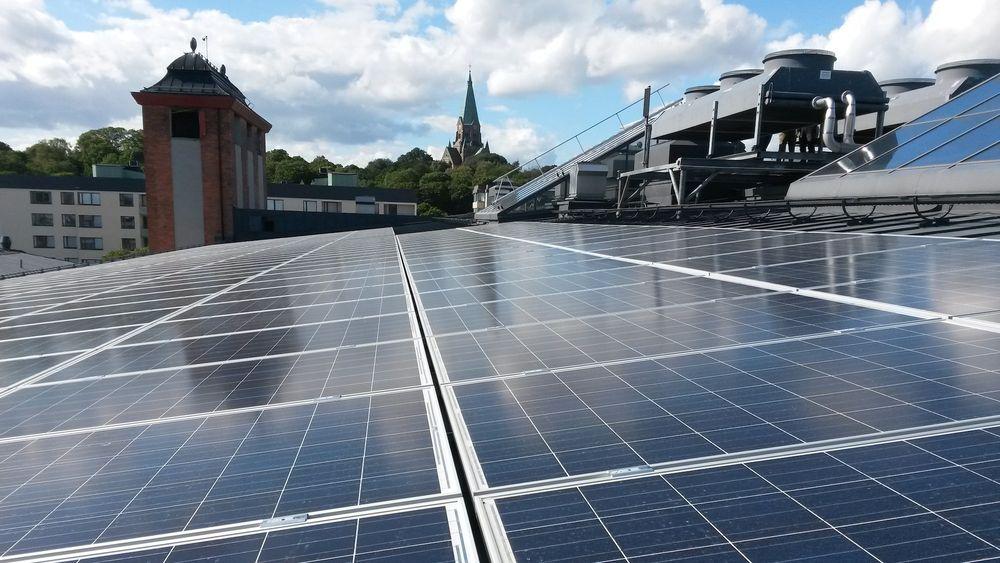 En regelendring i Sverige gjør at langt flere tak kan få solceller.