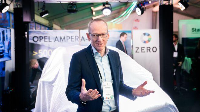 Karl-Thomas Neumann under første norske visning av Opel Ampera-e i 2016.