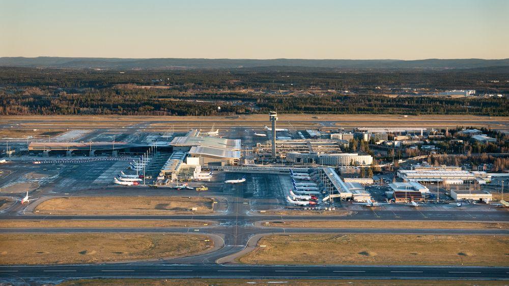 Oslo lufthavn Gardermoen har vært under utbygging i flere år. I tillegg til utbyggingen av terminalen, er det også lagt til rette for utbygging av en tredje rullebane. Bildet er tatt i 2015.
