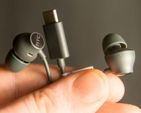 Bedre medfølgende øreplugger enn disse skal du lete lenge etter.