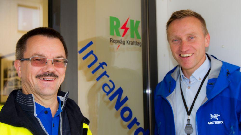 Styreleder i Infranord AS, Oddbjørn Samuelsen, og daglig leder Nils Pettersen smiler selv om anbudet gikk tapt. Nå tar de rotta på konkurransen, og bygger likevel - uten pengestøtte fra Nasjonal kommunikasjonsmyndighet.