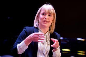 Kari Elisabeth Kaski i Sosialistisk Venstreparti forteller til NRK at de godtar gebyret fra Datatilsynet.