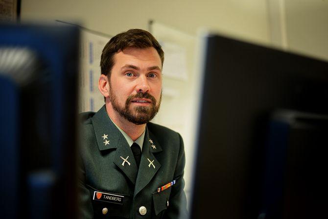 Presseoffiser Fredrik Tandberg i Forsvaret. (Foto: Erik Waatland).