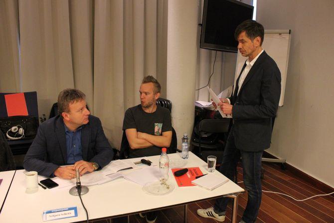 I Kringkastingsrådet: K-rådsmedlem og sjefredaktør Vebjørn Selbekk, P3-redaktør Bjørn Tore Grøtte og Kjetil Rolness (Foto: Erik Waatland)