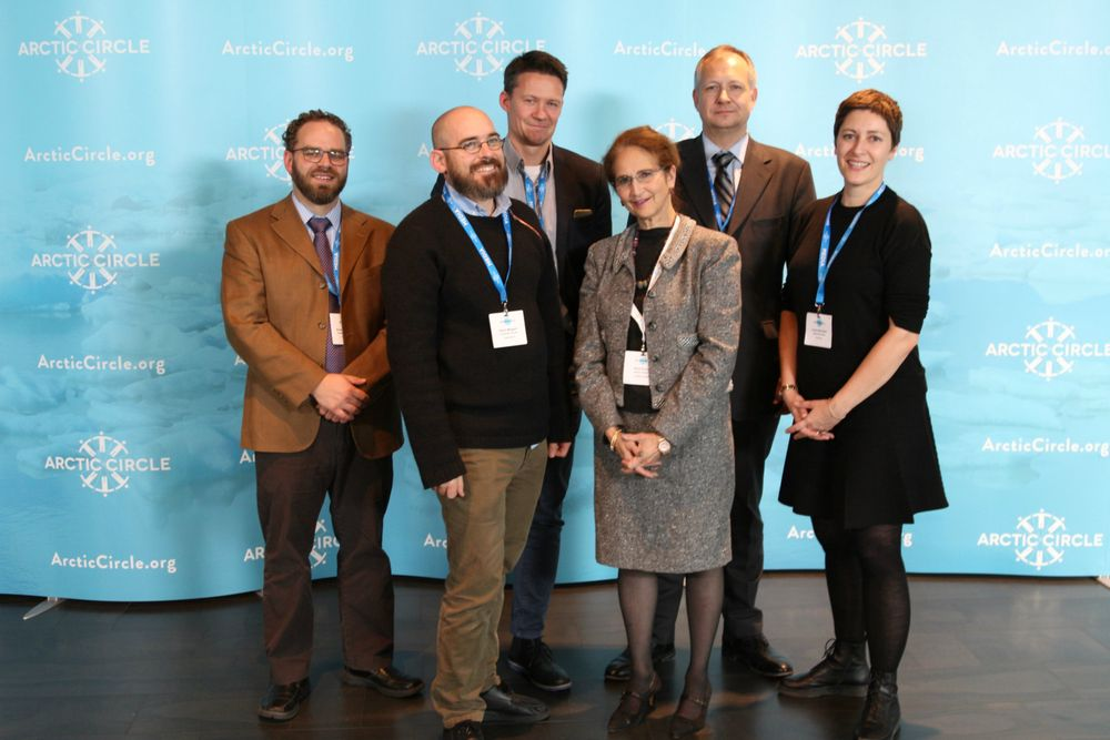 ArcticNow: Medier fra hele det sirkumpolare Arktis står bak Arctic Now. F.v. Krestia DeGeorge (Alaska Dispatch news), Kevin McGwin (The Arctic Journal), Atle Staalesen (The Independent Barents Observer), Alice Rogoff (initiativtaker og publisher), Kristinn Thorleifsson (Mbl.is/Iceland Monitor), Linda Storholm (High North News).