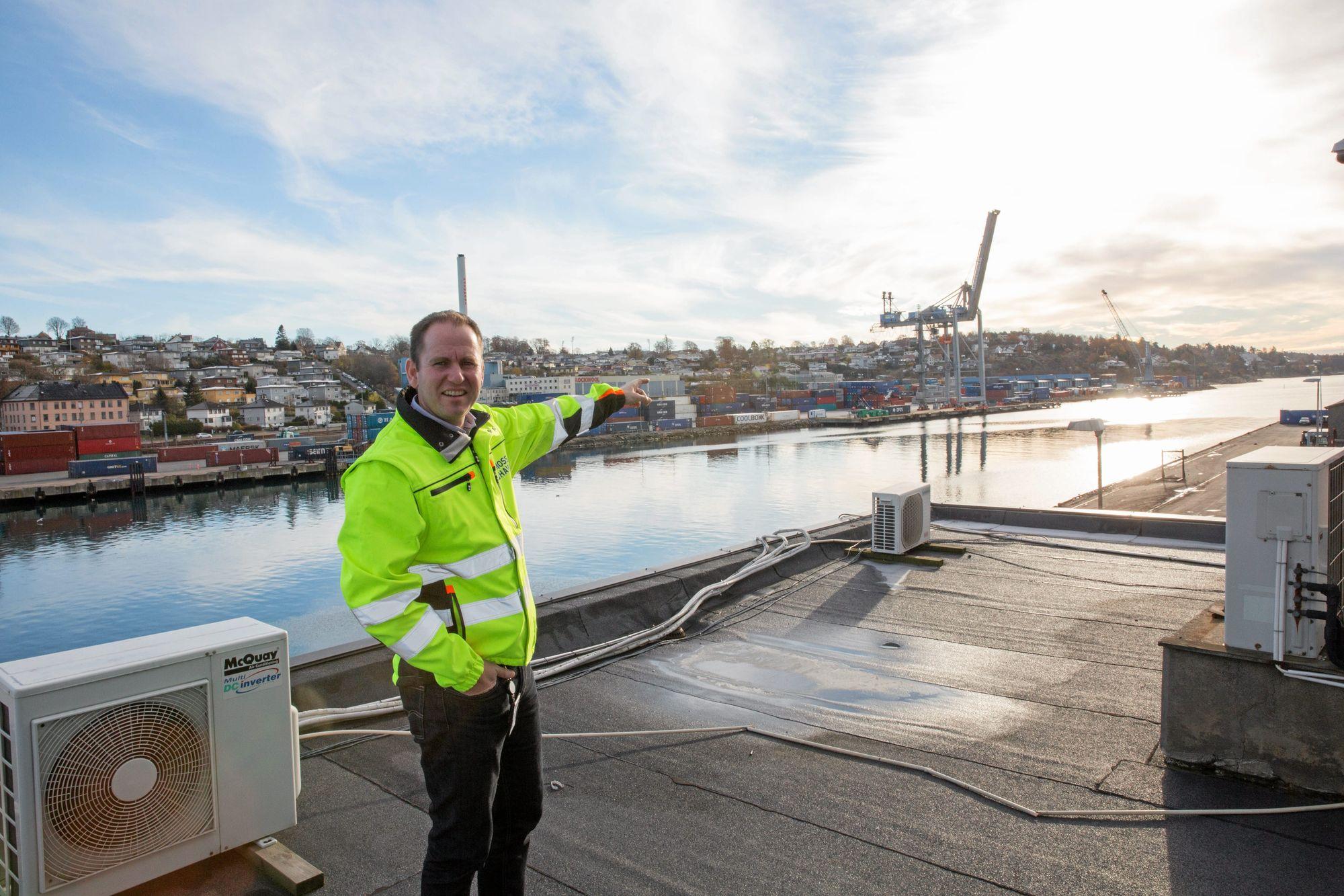 MISTER AREALER: Jernbaneutbyggingen i byen gjør at Moss Havn mister så mye som 40 prosent av arealene sine de neste åtte årene, forklarer havnesjef Øystein Høsteland Sundby.