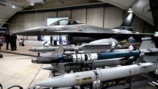 F-16 har fått ny programvare. Det gir det gamle kampflyet helt nye muligheter