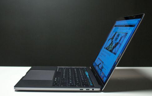 MacBook Pro 13 er i høy grad en gjennomført maskin, men svært mange kompromiss er tatt, noe som gjør at vi tipper maskinen blir mer aktuell for mange litt lenger frem i tid.
