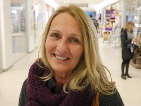 PÅ KJØPESENTERET: Anne Turid Strat ser gjerne at julemaset starter litt senere.