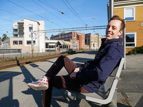 HJEMME: WIlkinson er glad i hjemkommunen sin. Her er han fotografert på Kolbotn stasjon.