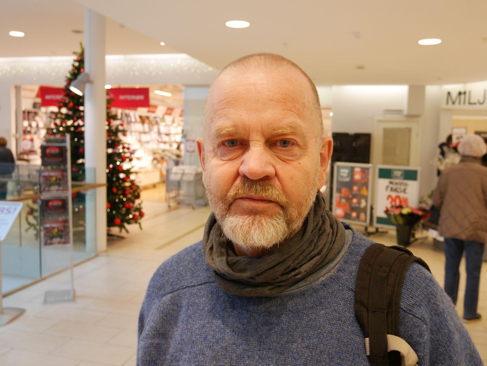 STØTTER LOKALSAMFUNNET: Bjørn Ganger fra Kolbotn har et særs bevisst forhold til lokal julehandel.