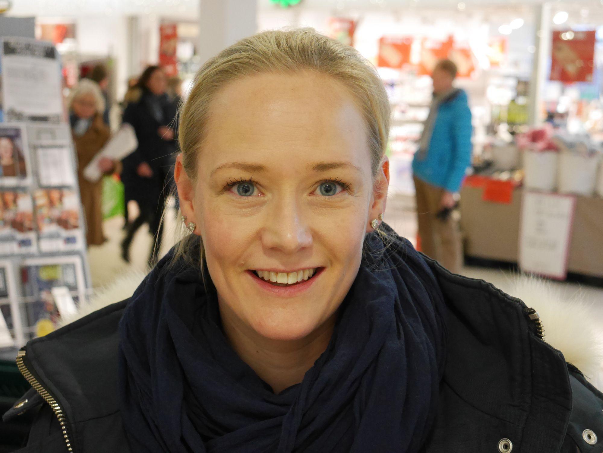 HANDLER OGSÅ LOKALT: Heidi Riise handler halvparten lokalt.
