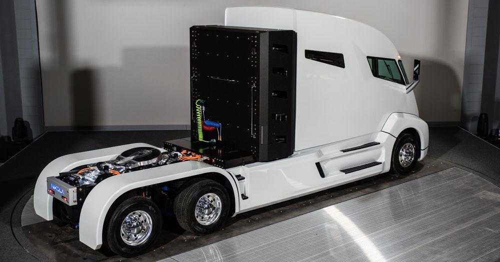 Den hydrogenelektriske trekkvogna Nikola One ble vist fram for første gang torsdag.