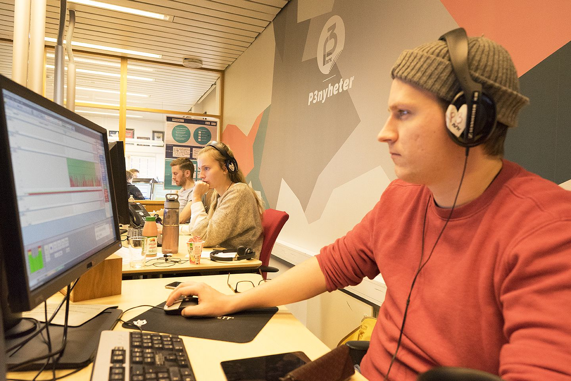 P3Nyheter i aksjon. Fra høyre: Ole Marius Trøen, Merethe Åsegård og Sverre Lilleeng.