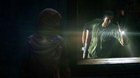 Sniking blir tydeligvis en del av det nye Uncharted-eventyret.