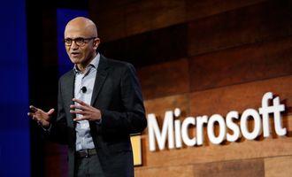 Microsofts toppsjef Satya Nadella. Bildet er tatt under Microsofts årlige aksjonærmøte, den 30. november 2016.