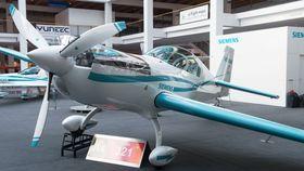 ATTRAKSJON: Extra 330LE var blant nyhetene som ble vist frem under Aero 2016 i Friedrichshafen.