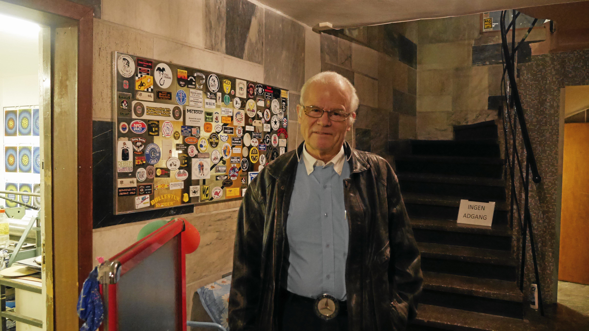 KLAR TIL Å TA OVER: Bjørn G. Johannesen i Norsk Veteranvogn Klubb håper Tyrigrava faller i deres eie.