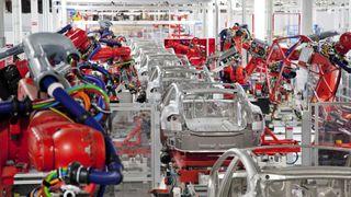 Tesla-sjef deler tanker om fremtiden på elbilkonferanse i Drammen