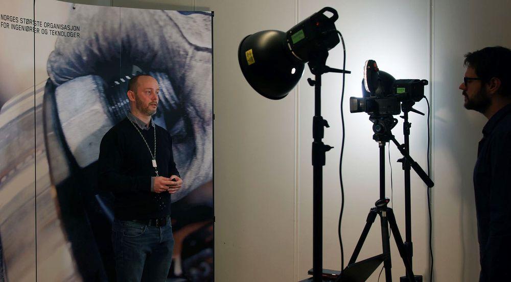 Erik Devold i NITOs jobbsøkerteam forbereder neste ukes jobbsøkerkurs som skal streames på facebook.