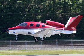 16 MILLIONER: Prisen ligger på to millioner dollar, eller rundt 16 millioner kroner, per fly.