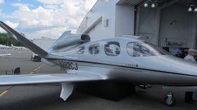PLASS TIL SYV: Maskinen kan frakte syv passasjerer. Toppfarten er 300 knop og flyet har en rekkevidde på 1250 nm ved 240 knop.