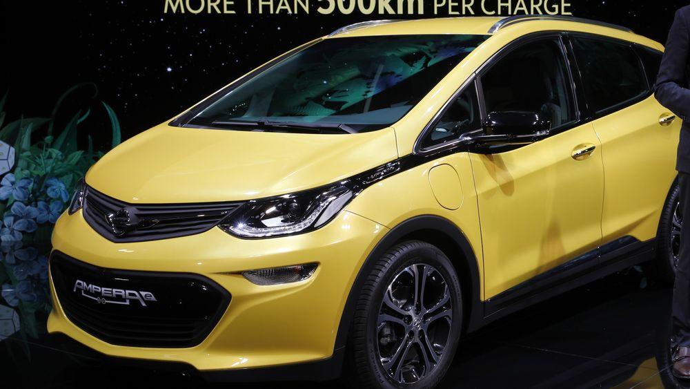Opel Ampera-e ble vist frem under bilmessen som foregår i Paris.