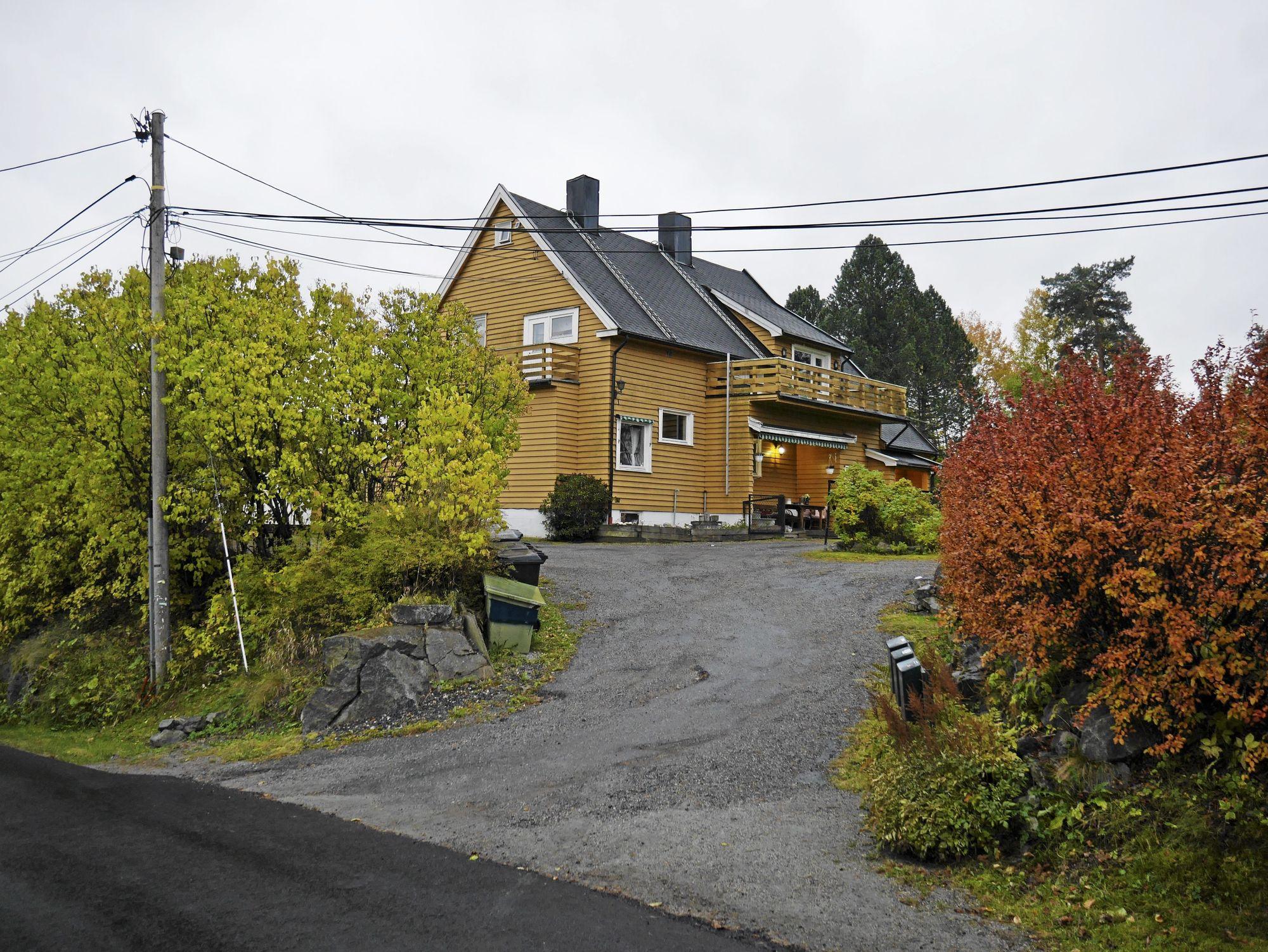 PILOTPROSJEKT: Det gule huset i Durendalveien 1 i Oppegård kan bli erstattet med 40 private omsorgsboliger fordelt på fire boligblokker.