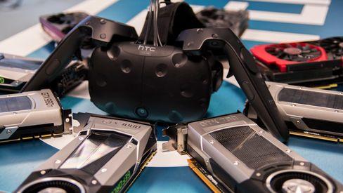 VR-brillene HTC Vive (avbildet) og Oculus Rift må fores med minimum 90 FPS fra grafikkortet ditt for å holde på innlevelsen. Tre av våre testkort var ikke kraftige nok.