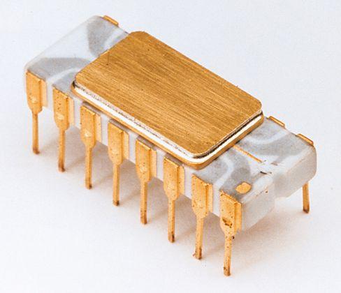 Intel 4004 var verdens første kommersielle mikroprosessor.