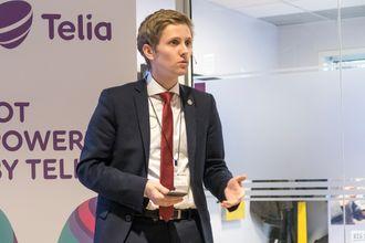 Begeistret: Statssekretær i SamferdselsdepartementetReynir Jóhannesson er svært fornøyd med at Telia har utviklet plattformen i Norge og lover å gjøre sitt for å hjelpe hele Telebransjen med maskin til maskainkommuniksjon.