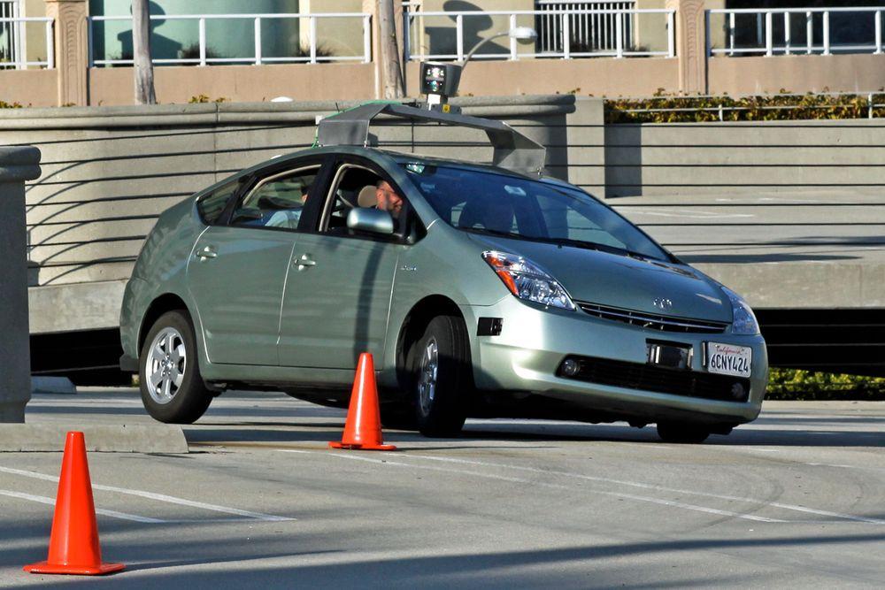 - Vi må ikke glemme at en førerløs bil, selv om den bygger på avansert teknologi, i bunn og grunn er dum.