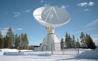 En opplink-/nedlink-stasjon i Kiruna i Sverige, tilknyttet Galileo-systemet.
