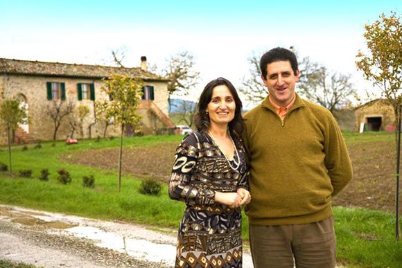 Bak Querci-vinene står Angela og AngeloPinti med god hjelp av faren Vittorio og snart døtrene.