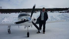 AKTIV PILOT: Flygeren Klaus Nødland har over 1000 flytimer bak seg.