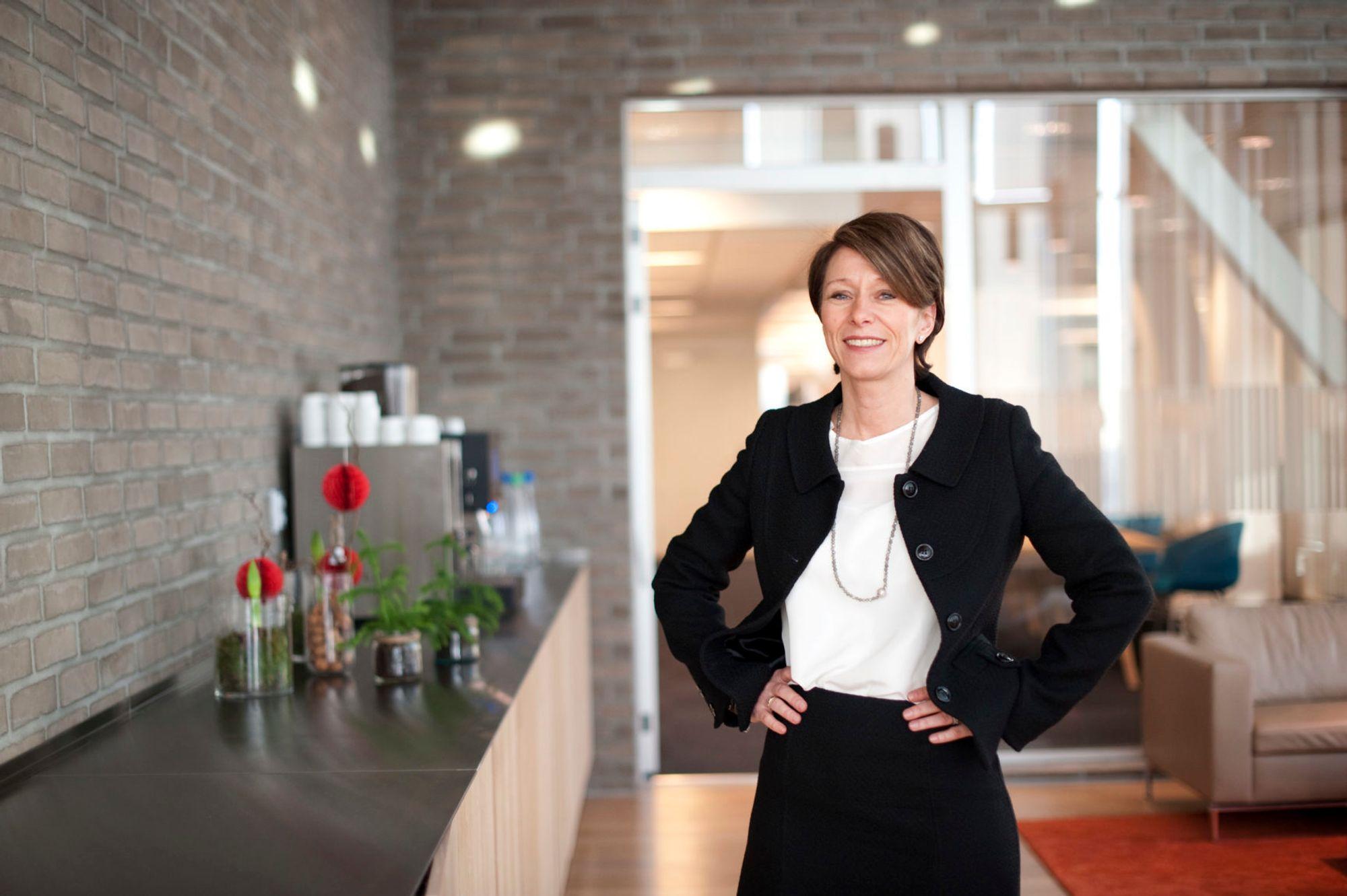 Liv Fiksdahl er i gang med å ansatte et stort antall IT-folk. Hun mener DNB alltid har vært flinke på å satse på teknologene.