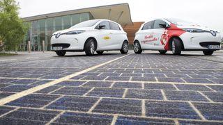 Nå er den første solcelleveien åpnet for trafikk